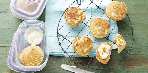Apple and apricot pikelets