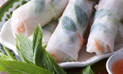 Chicken and mint rice paper rolls